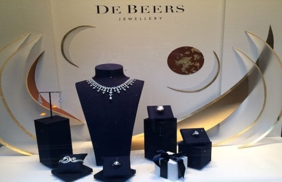 De Beers merges South African and Canadian mines to turn to profitability