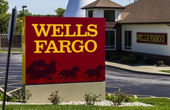 Wells Fargo staffs up its mortgage division to cope with higher volumes